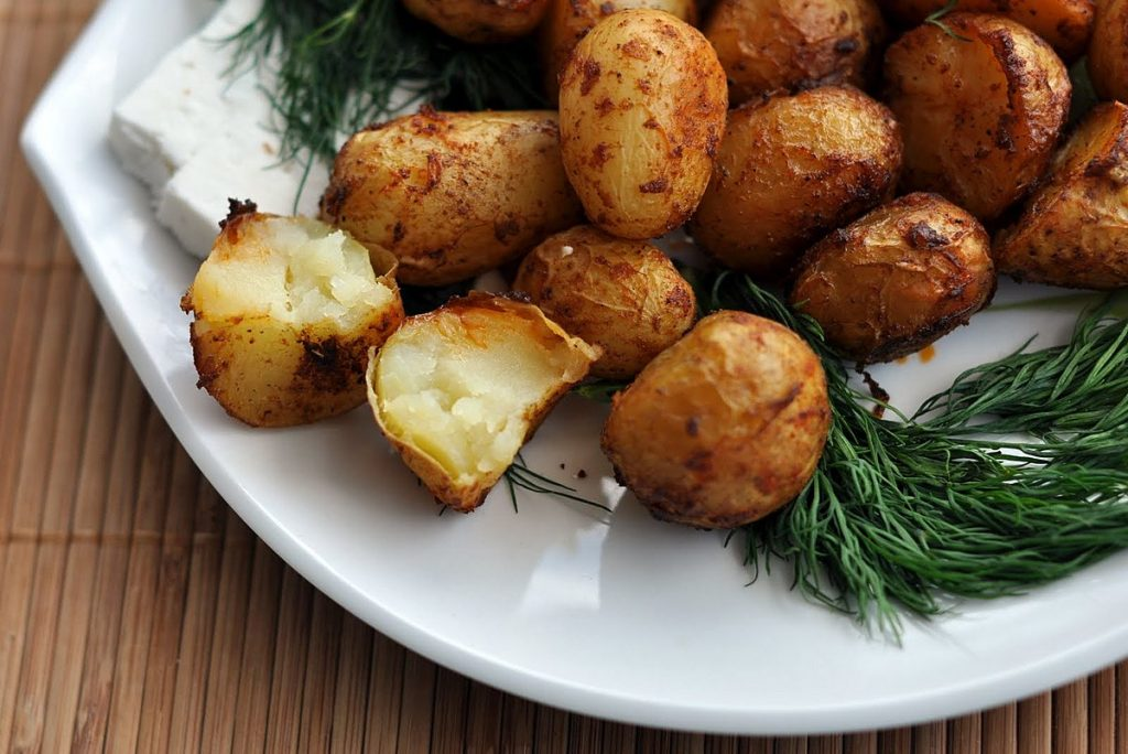 Картофель запеченный по-деревенски