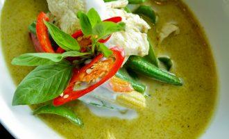 Тайский зеленый суп карри