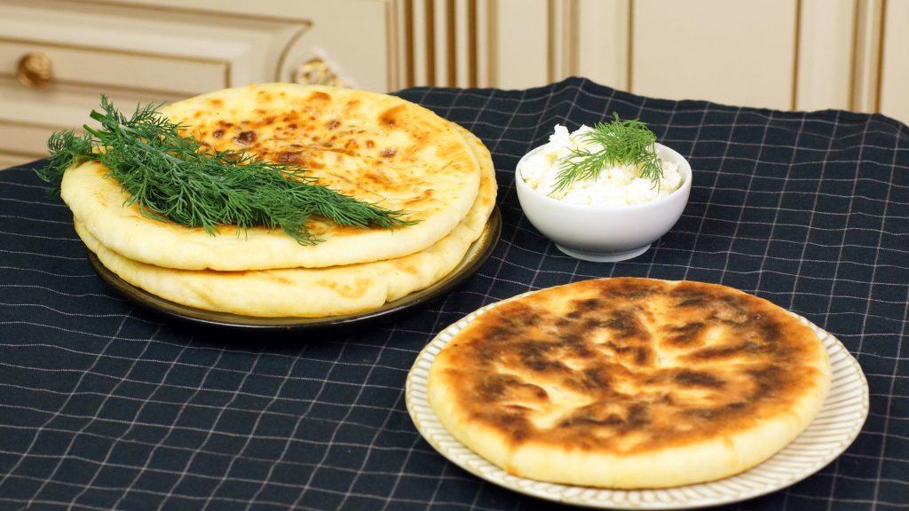 Творожно-сырная лепешка с зеленью